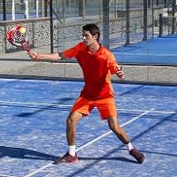 Quer aperfeiçoar ou aprender ténis?